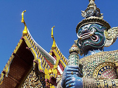 Thailand Temple - Flickr Photo by geoftheref